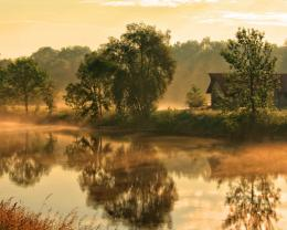 1280x1024 Wallpaper river, fog, house, morning, beams, sun, dawn 1052