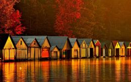 Floating houses on river at dawn wallpaper 934