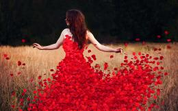 Woman flower petals dress Wallpapers Pictures Photos Images 1325