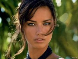 Adriana Lima Her Face Wallpaper1024x768 iWallHDWallpaper HD 1479