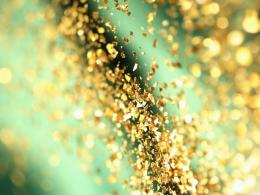 golden glitter wallpaper 1600x1200 541315b501965 jpg 1921