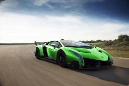 Lamborghini Veneno GreenModern Car Wallpaper 492