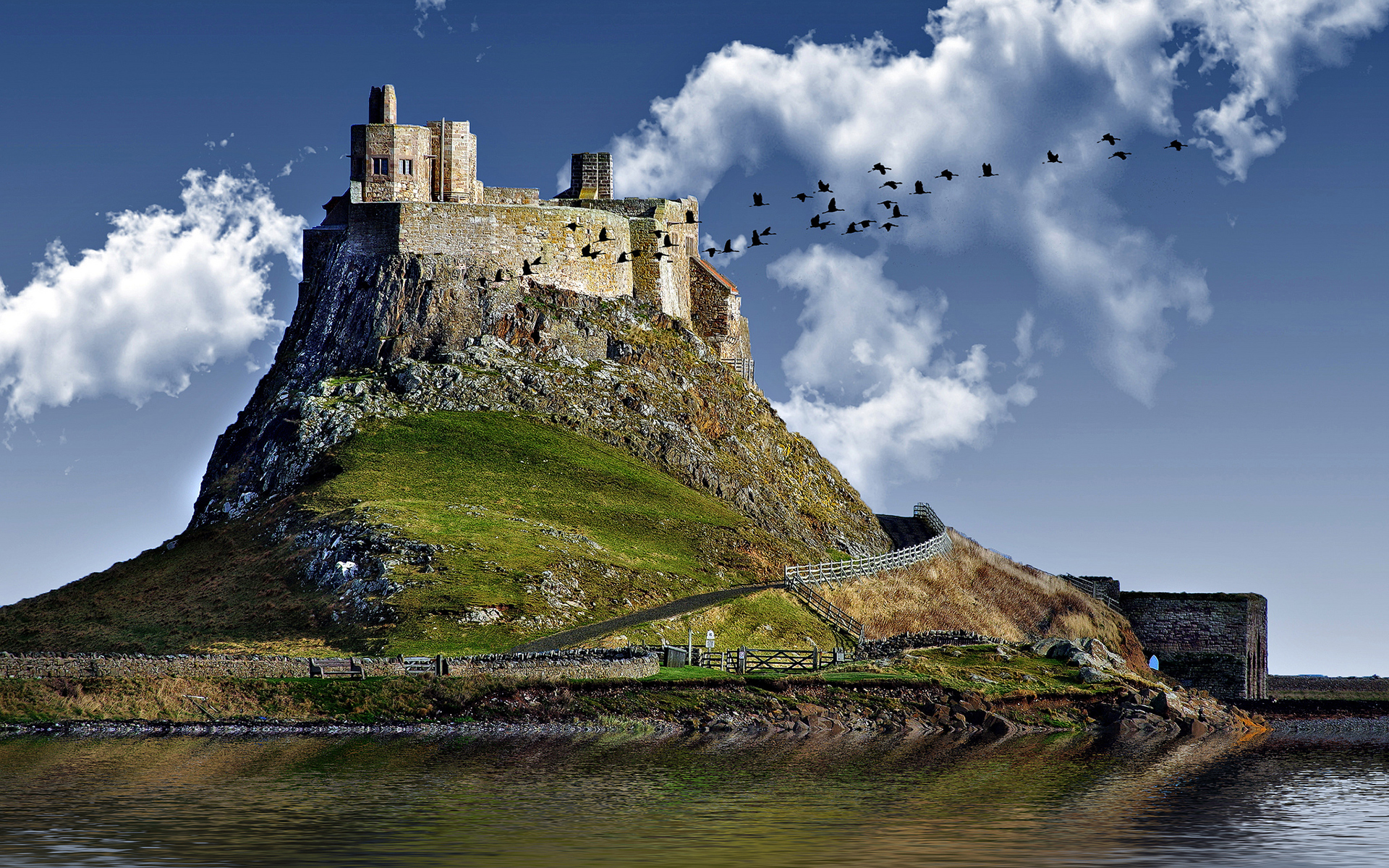 Castle hill lake Wallpapers Pictures Photos Images 162