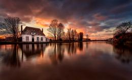 Wallpapers :: reflection, sunset, lake, clouds, sky, house, nature 1295