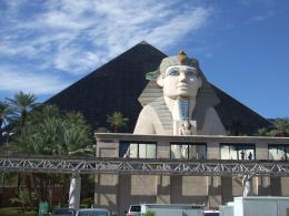 Category Roadside Attractions Waymark Luxor Pyramid and Sphinx 1310