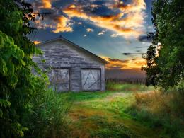 Lonely old Barn at sunset wallpaper 1748