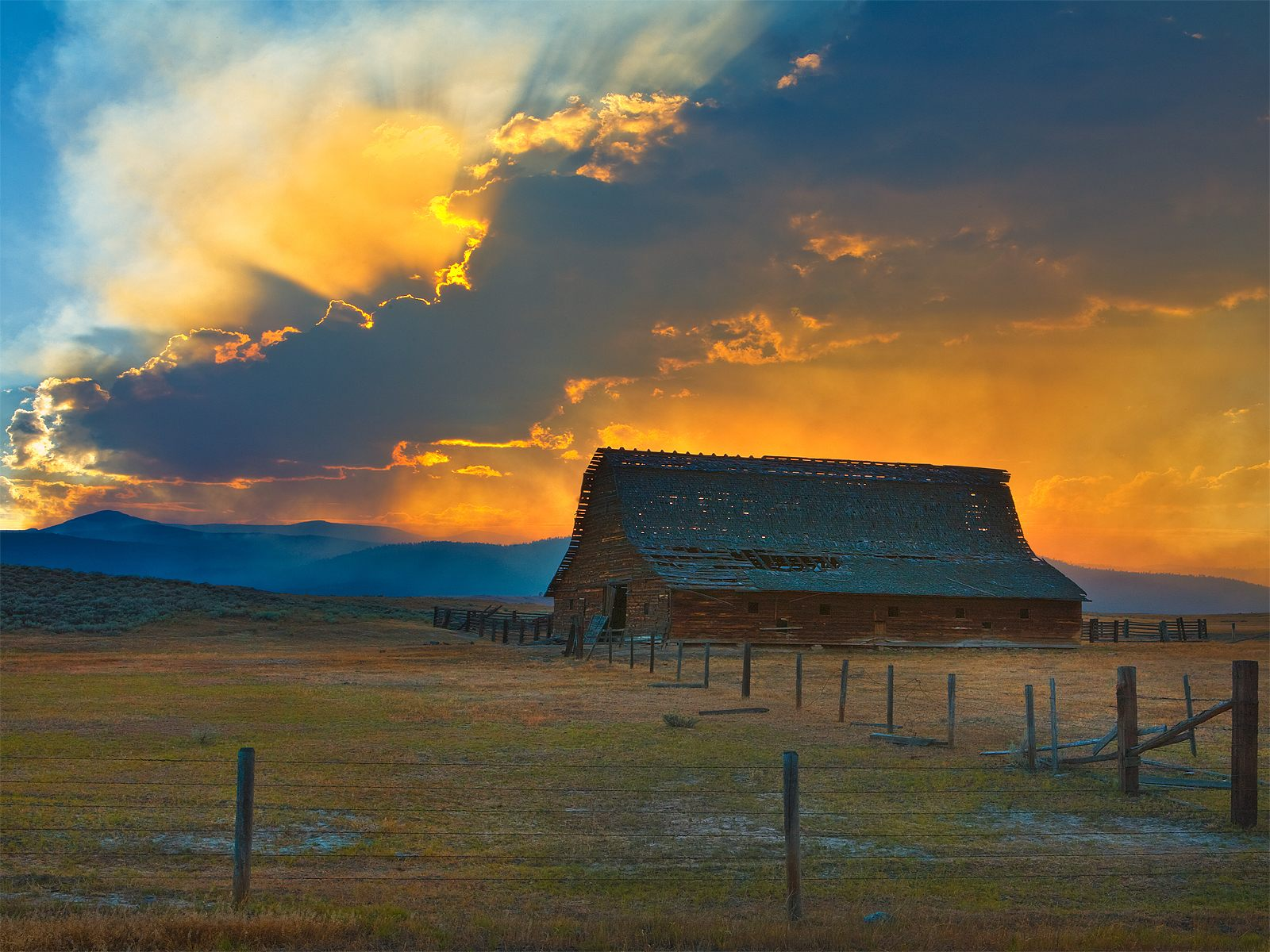 Sunset over the old barn   photography   Pinterest 1465