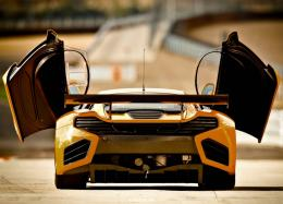 mclaren automotive and crs racing unveiled the mclaren mp4 12c gt3 1354