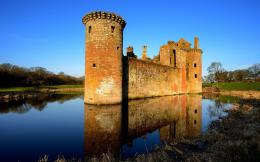 Old castle by the lake wallpaper #20849 720