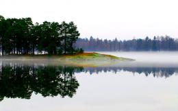 Download Perfect reflection in the clear lake wallpaper 1218