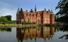 download perfect reflection wallpaper tags trees reflection castle 554