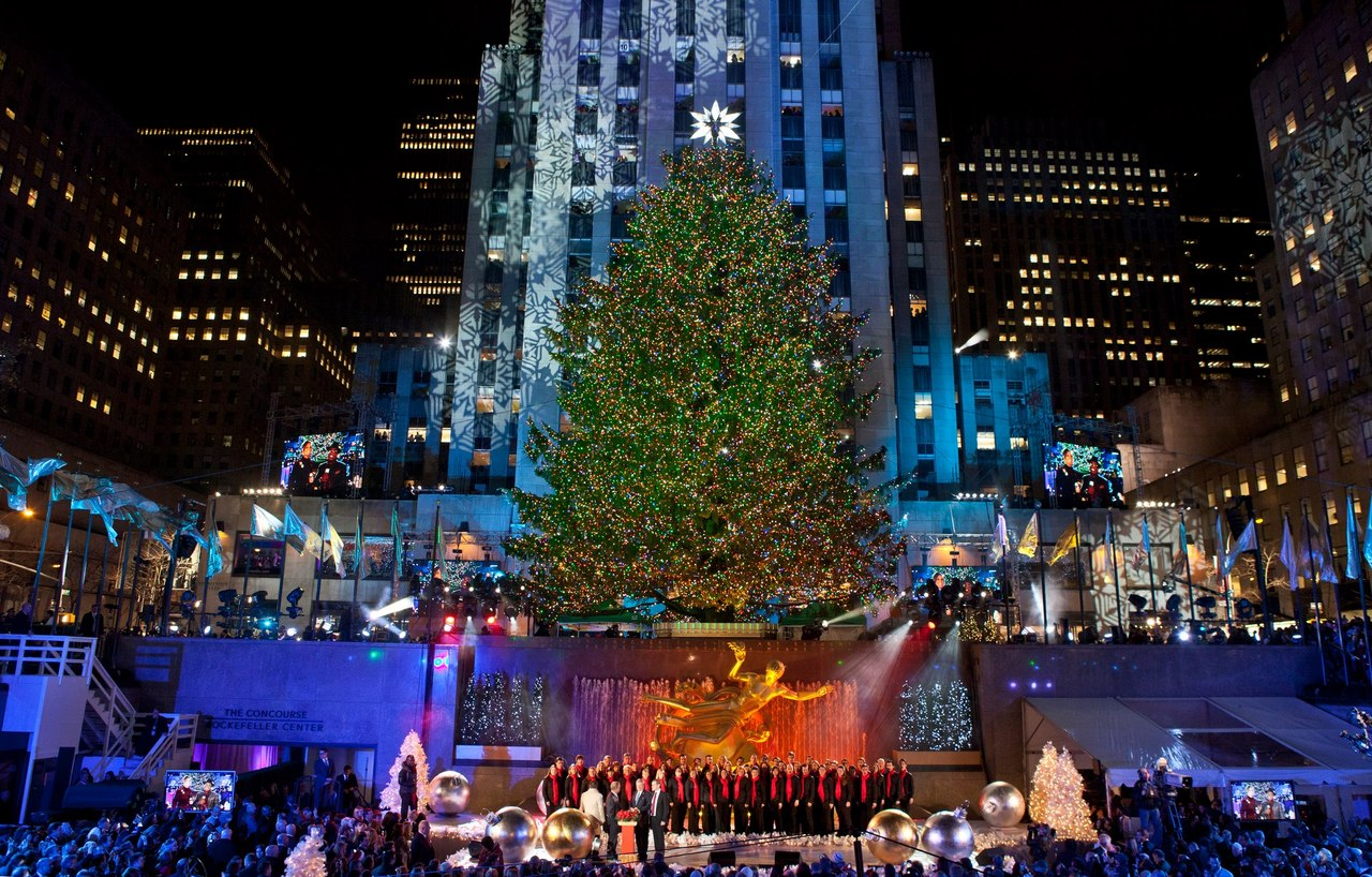 NBC News on TumblrRockefeller Center Christmas tree survived Sandy 1369
