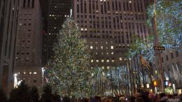 Rockefeller Christmas Tree 12 17 2012 Wallpaper | Kicking Designs 1765