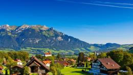 Scenic Swiss Alps village wallpaper 1653