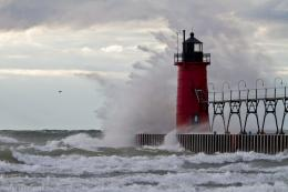 Storm Waves Lighthouse s h Lighthouse Wind Waves 794