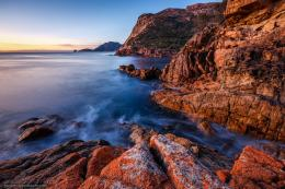 Download Hintergrund Freycinet National Park, Tasmanien, Meer, Rocks 1555