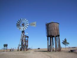 File:Old Windmill jpgWikipedia, the free encyclopedia 635