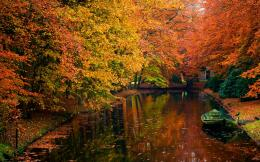 Autumn River With Boat Hd Wallpaper | Wallpaper List 668