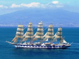 Star Clipper In Front Of The Vesuvius : Wallpapers13 com 1749