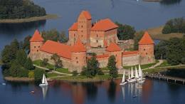 Top and best things to see and do in lithuania Trakai Castle 1832