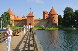Trakai Lithuania Bridge Wooden Medieval Blue Sky Flag Picture | HD 1779