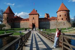 Trakai Lithuania Bridge Wooden Medieval Blue Sky Flag Picture | HD 979