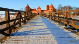 bridge to trakai castle in lithuania wallpaper 1600x900 531167f4ce79e 1182