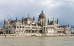 The Hungarian Parliament Building wallpaperWorld wallpapers 1064