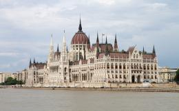 Download The Hungarian Parliament Building wallpaper 223