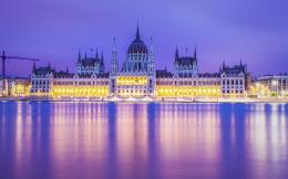 Budapest Parliament Building In Magents Wallpaper | HDwallpaperUP 495