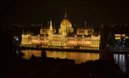 Hungarian Parliament Building Computer Wallpaper, Desktop Background 862