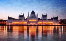 budapest parliament building wallpaper 2 jpg 930