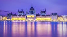 Budapest Parliament Building In Magents Wallpaper | HDwallpaperUP 1609