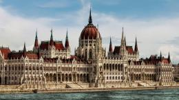 Parliament BuildingBudapest by pingallery on DeviantArt 541