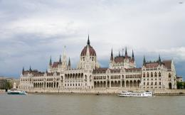 The Hungarian Parliament Building wallpaper1306596 651