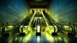 Yellow Light Escalators Hd Wallpaper | Wallpaper List 1699