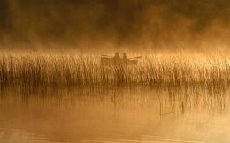 Early Morning Fishing On A Misty Lake Hd Wallpaper | Wallpaper List 1759