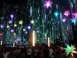 Adventures of The Wandering Island Girl: Ayala Triangle's Christmas 1322