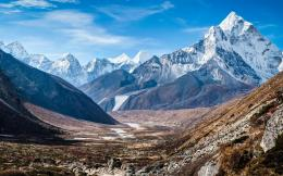 Download Mighty valley in the Himalaya wallpaper in Nature wallpapers 1290