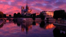 Purple sky in sunrise at Notre Dame wallpaper 1964