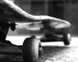 Download Black and white old skateboard wallpaper in Sports wallpapers 1210