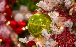 White Christmas! Decorations Green Ball hd wallpaper #1642374 1391