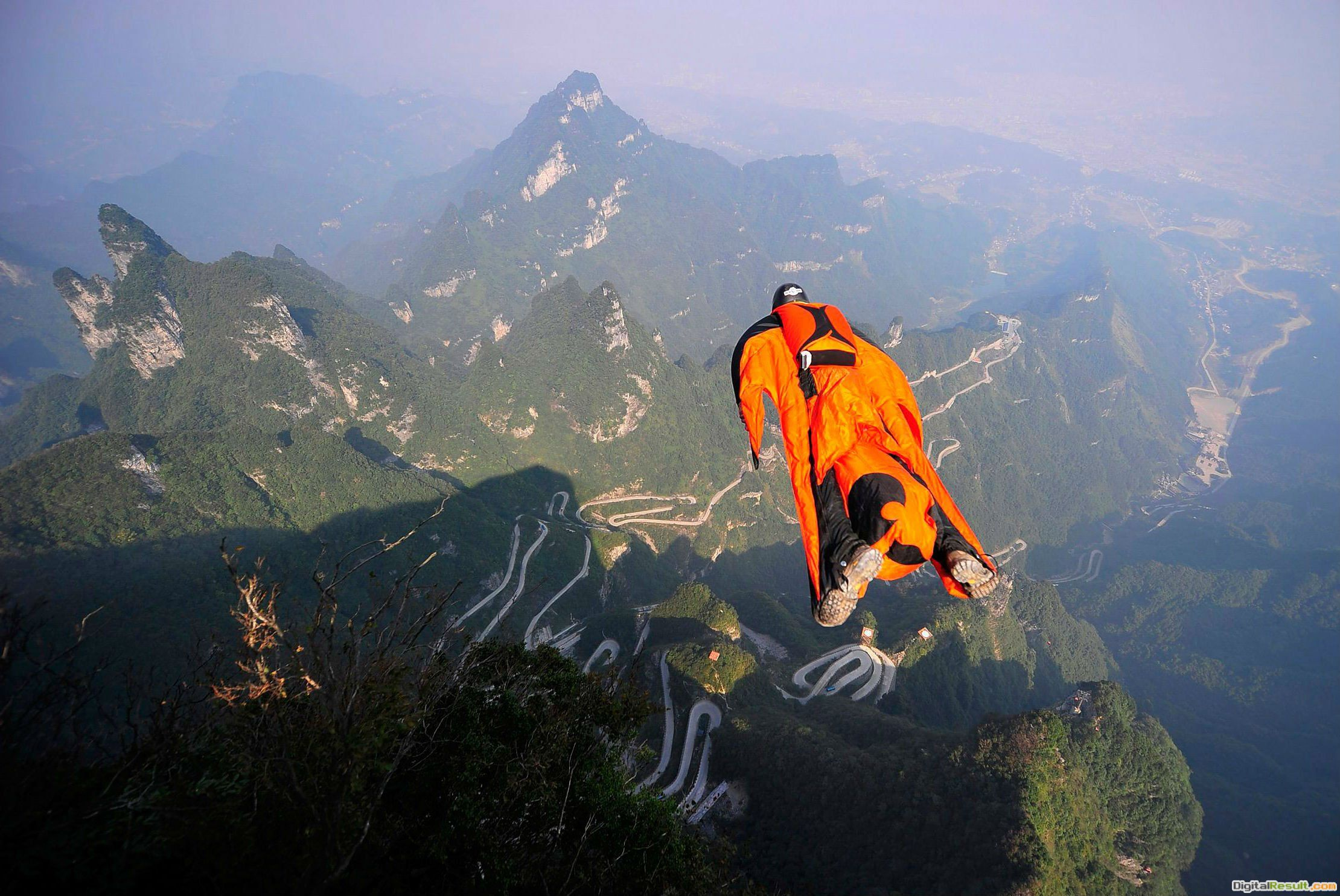 18 Awesome HD Skydiving 1744