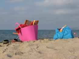to select and organize your beach bag beach bags should be large 749