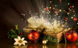 Christmas Gifts and Decoration Balls on 2013 Festival HD Wallpapers 1989