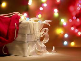 Christmas Gifts 3 High Resolution Wallpaper 782