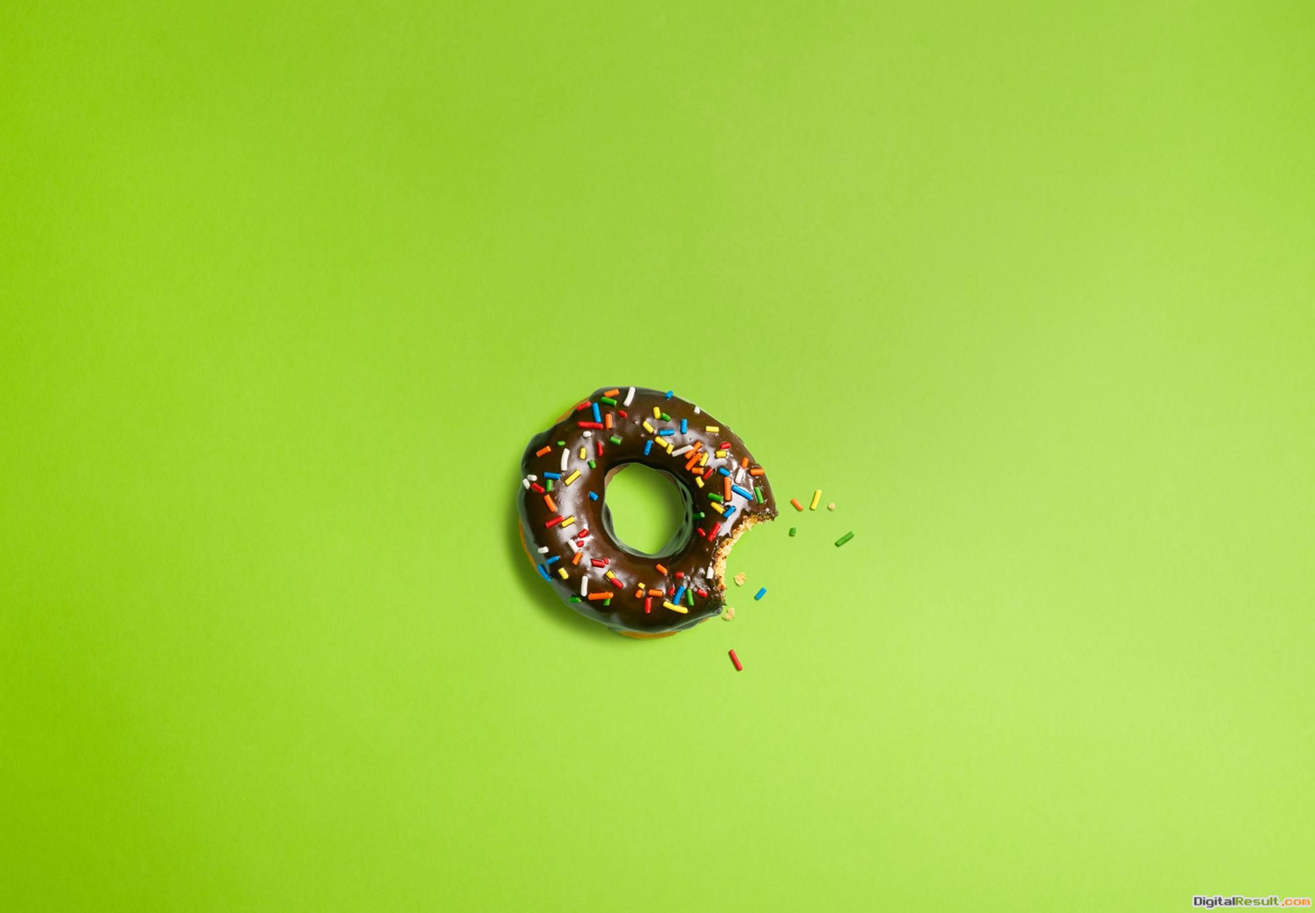 Donut Wallpaper 1366