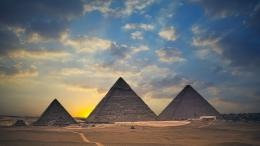 Pyramids of Giza, Egypt wallpapers and imageswallpapers, pictures 1452