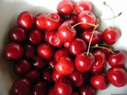 desktop wallpapers other mix backgrounds fresh cherries fresh cherries 1732
