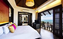 Hotel bedroom with seaview wallpaper 1094